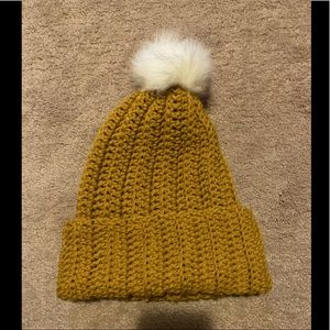 Crochet hat with pompom